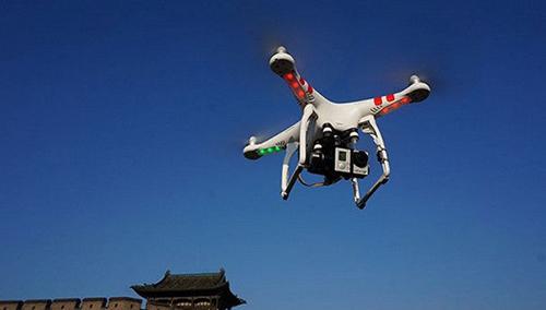 """资讯导读:无人驾驶飞机简称""""无人机"""""""
