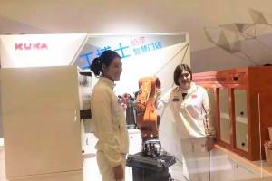 工博士新零售&军工双双上央视  机器人能文能武  冠军都为它代言