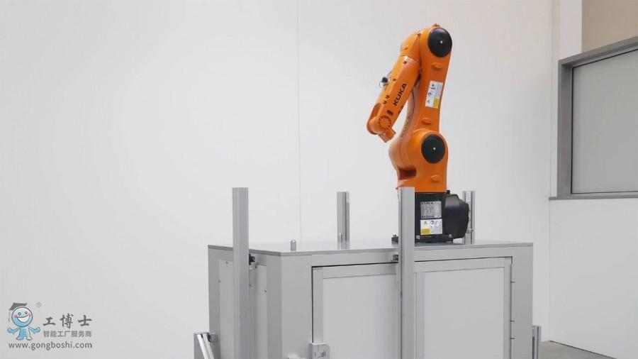 """KUKA机器人生产中的""""多面手"""""""