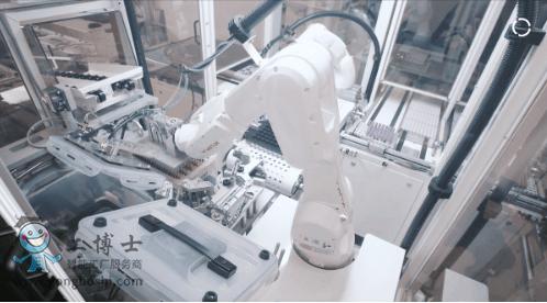 库卡机器人助力抗击疫情,机器人界的【白衣使者】