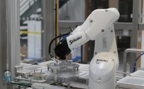 【史陶比尔】机器人自动化单元完成检查、贴标签和码垛
